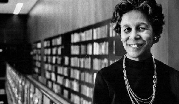 Clara Stanton Jones, a primeira bibliotecária afro-americana presidenta da American Library Association